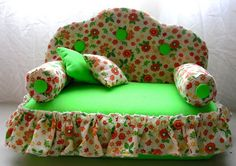 CASA'ART: 7 - SOFÁ PESO DE PORTA DE TIJOLO Pet Beds, Dog Bed, Door Draught Stopper, Plastic Bottle Crafts, How To Make Toys, Barbie Furniture, Barbie House, Tissue Box Covers, Miniature Furniture