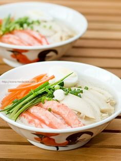 """Birthday Longevity Noodles 长寿面 Asians have the tradition of eating longevity noodles (aka long life noodles, or 长寿面, """"Chang Shou Mian"""") on their birthdays and special occasions such as Ren Ri 人日 (7th day of the Lunar New Year, commonly known as """"everyman's birthday""""). It is believed"""