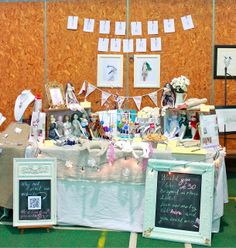 Veronika Lavey Design - A diary: My handy list for setting up a craft market stall Flea Market Displays, Fete Ideas, Craft Stalls, Market Stalls, Craft Markets, Event Marketing, Vintage Crafts, First Christmas, Craft Fairs
