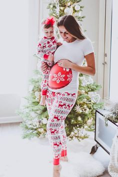 Low in stock! Get in quick! x Are you a pretty mom-to-be who loves to sparkle in a crowd full of people wrapped up in myriad dresses rich with Christmas sensation? Say hello to our super coolest limit Pregnancy Wardrobe, Pregnancy Outfits, Pregnancy Shirts, Pregnancy Photos, Announce Pregnancy, Pregnancy Tips, Maternity Wear, Maternity Dresses, Maternity Fashion