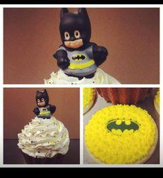 Batman cake (giant cupcake) & sugar cookies