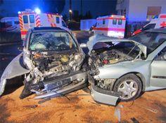 Drei PKW Fahrer bei Unfall in Worms verletzt .