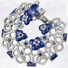 Earrings in white gold, diamonds, sapphires, lapis lazuli, set with two oval-cut sapphires  (origin: Sri Lanka & Madagascar)