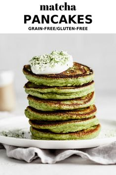 Low Carb Recipes To The Prism Weight Reduction Program These Matcha Pancakes Are Completely Grain-Free, Gluten-Free And Come Together In Just 15 Minutes They Are Light And Fluffy, And Have 10 Sneaky Grams Of Protein Per Serving. Brunch Recipes, Baby Food Recipes, Breakfast Recipes, Dessert Recipes, Breakfast Pancakes, Vegan Breakfast, Recipes Dinner, Healthy Recipes, Desserts