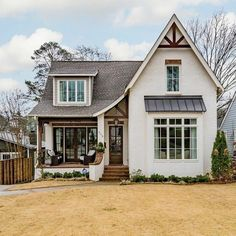 This cottage home exudes perfect curb appeal! This cottage home exudes perfect curb appeal! Future House, Design Exterior, Exterior Signage, Rustic Exterior, Modern Farmhouse Exterior, Dream House Exterior, Cottage Home Exteriors, Cottage Exterior, Small Cottage Homes