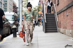 """주포토 (minhwoo Ju) on Instagram: """"Photograph By @fine.for.them 16ss New York fashion week #fineforthem #fashion #fashionstyle #style #stylish #street #streetfashion #streetwear #streetstyle #likelike #like4like #instafashion #instagood #woman #womansstyle #dailylook #newyorkfashionweek #nyfw #스트릿패션 #스넵 #스타일링 #패션 #뉴욕패션 #수지버블 #susiebubble"""""""
