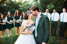 Cute pose for couple + bridal party || Shannon Lee Miller Photography