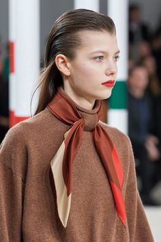 Hermès Fall 2020 Ready-to-Wear Collection - Vogue Catwalk Fashion, Vogue Fashion, Fashion Week, Fashion 2020, Fashion Show, Fashion Tips, Hijab Fashion, Fall Fashion, Hermes