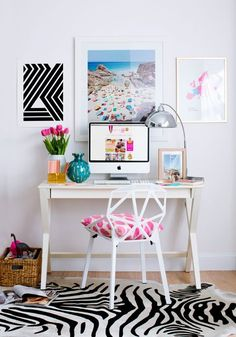 Small chic desk space via http://www.pinterest.com/pin/521854675546264198/ #home #decor #YourNewRoommate