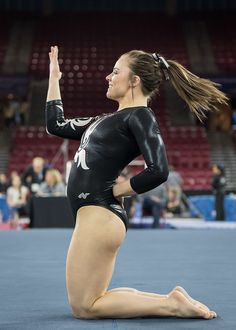 """And in the category of """"How To Read A Book During A Floor Routine"""" is this lady looking sexy in a Lycra leotard. Tumbling Gymnastics, Sport Gymnastics, Artistic Gymnastics, Olympic Gymnastics, Gymnastics Leotards, Olympic Games Sports, Gymnastics Posters, Gymnastics Pictures, Sport Treiben"""