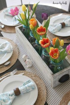 25 Simple and Cute Rustic Wooden Box Centerpiece Ideas to Liven Up Your Decor Wooden Box Centerpiece, Table Centerpieces, Centerpiece Ideas, Summer Table Decorations, Summer Centerpieces, Easter Centerpiece, Rustic Wooden Box, Wooden Boxes, Easter Table Settings
