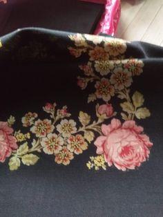 vintage shawl Vintage Antiques, Ted Baker, Shawl, Tote Bag, Bags, Fashion, Handbags, Moda, Fashion Styles