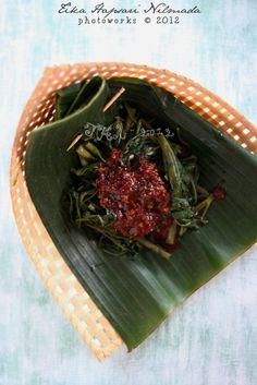 Rujak kangkung / Boiled water spinach with chili sauce