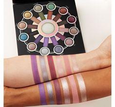 Zodiac - 25 Color Eyeshadow & Highlighter Palette