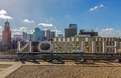 Het uitzicht vanaf het dak van het Hilton Hotel in Rotterdam