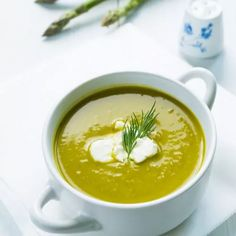 Summer is just around the corner and that means it's apsaragus season! Try this quick and easy soup recipe for a new way to experience asparagus! Easy Soup Recipes, Gourmet Recipes, Healthy Recipes, Quick And Easy Soup, Asparagus Soup, Food Print, Weed, Food Processor Recipes, Curry