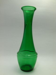Vintage Emerald Green Glass Bud Vase - Home Decor, Wedding Centerpieces, Depression Glass... GBV#2 by midmowoodworks on Etsy