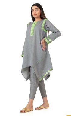 Latest Dress Design, Fancy Dress Design, Stylish Dress Designs, Pakistani Fashion Casual, Pakistani Dresses Casual, Pakistani Dress Design, Indian Fashion, Sleeves Designs For Dresses, Dress Neck Designs
