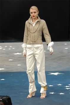 Chanel Spring 2008 Ready-to-Wear Fashion Show Collection