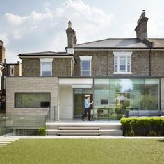 Studio+Octopi+adds+glass-fronted+extension+to+White+Lodge+house+in+London