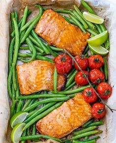 One Sheet Pan Salmon + Green Beans   Clean Food Crush Salmon Marinade, Marinated Salmon, Baked Salmon, Salmon Green Beans, Green Beans And Tomatoes, Clean Eating Recipes, Healthy Eating, Healthy Recipes