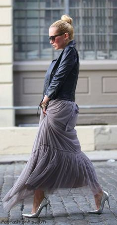 Leather jacket, tulle skirt and pointed heels for ladylike look