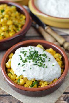 Pikáns kukoricasaláta sajtos-tejfölös öntettel recept
