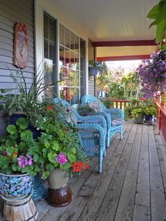 Attractive Blue Wicker for Small Garden Ideas