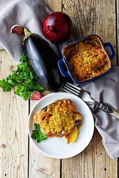 """Moussaka - A #vegan version of the traditional Moussaka. With a tempeh-based """"meat"""" sauce in tomatoes, as well as with a #glutenfree Bechamel sauce. Add eggplant, potatoes - and enjoy this beauty!"""