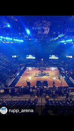 Big Blue Madness!!! Kentucky College Basketball, Uk Wildcats Basketball, Kentucky Sports, I Love Basketball, Kentucky Athletics, Kentucky Wildcats, Go Big Blue, Duke Blue Devils, My Old Kentucky Home