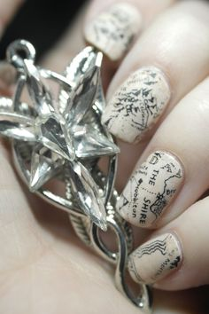 Easy Nail Art: Middle Earth - Hobbit - Lord of the Rings Map Inspired Newspaper Nails Tutorial Tolkien, Cute Nails, Pretty Nails, Map Nails, Newspaper Nails, Middle Earth Map, O Hobbit, Nail Polish, Nail Tutorials