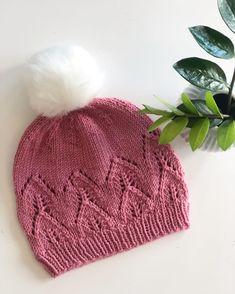 Bladluslue m/uten øreklaffer Ravelry, Knitted Hats, Winter Hats, Knitting, Decor, Fashion, Hardanger, Pin Cushions, Knit Jacket