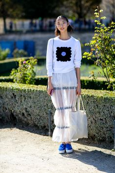 Canvas Tote Bags: A Street Style Must | StyleCaster