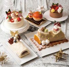 手前左から時計回りにノエルブラン、クリスマスショートケーキ(生クリーム)、ルドルフ、クリスマスショートケーキ(チョコレートクリーム)、ビュッシュ・ドゥ・ノエル