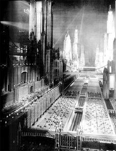 Uit de film Just Imagine van 1930. Het maken van deze maquette kostte naar verluid meer dan het maken van heel de rest van de film.