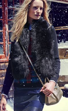 It's cold outside – even more reason to look your cozy best with Tommy Hilfiger