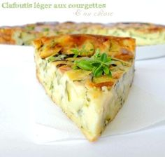 Light clafoutis with zucchini and goat cheese: the easy recipe - Recipes Easy & Healthy Easy Cooking, Cooking Recipes, Healthy Recipes, Healthy Food, Quiches, Omelettes, Food Porn, Goat Cheese Recipes, My Best Recipe