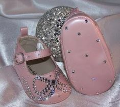 Baby Bling Shoes : Rhinestone Baby Shoes : Crystal Baby Shoes For future granddaughter Bling Baby Shoes, Baby Bling, Baby Girl Shoes, Girls Shoes, Bling Bling, Baby Girls, Camo Baby, Baby Sandals, Baby Booties