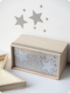 Lightbox et découpage en forme d'étoiles / Light box and star shaped papercutting