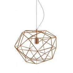 Olohuoneesi ilme piristyy ja hienostuu, kun ripustat kattoon tämän Diamond-kattovalaisimen. Diamond  tulee Globen Lightingilta ja sen on suunnitellut Patrick Hall. Valaisin on valmistettu timantin muotoon asennetuista metallitapeista. Mukana seuraa läpinäkyvä johto ja vaijeri. Valaisin luo jännittäviä varjoja ollessaan sytytettynä. Valittavana eri värejä.