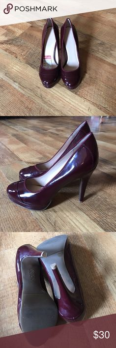 NWOB VICTOR ALFARO HEELS Never worn, just tried on!! Price tag still inside shoe. Burgundy in color! These are beauties!!! 😍😍😍 Victor Alfaro Shoes Heels