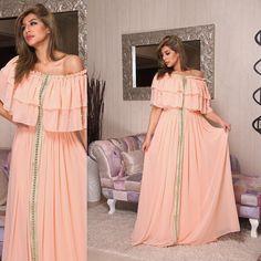 ممكن نسوي منه اي لون ، للاستفسار والطلب وتس اب 0097336111147 Lovely Dresses, Simple Dresses, Morrocan Dress, Oriental Dress, Arabic Dress, Afghan Dresses, Abaya Designs, Dress Making Patterns, Gowns Of Elegance