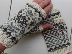 Ravelry: A hand to hold/En hand å holde i pattern by Randi K Design