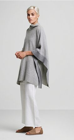 Free standard shipping on all Continental US orders. Shop women's casual clothing that effortlessly combines timeless, elegant lines with eco-friendly fabrics from EILEEN FISHER. Fashion Over, Look Fashion, Winter Fashion, Fashion Outfits, Womens Fashion, Fashion Design, Fashion Trends, Eileen Fischer, Mein Style