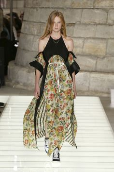 A look from the Louis Vuitton Women's Spring-Summer 2018 Collection