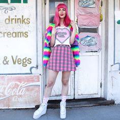 Kate H. - ~weird girl~