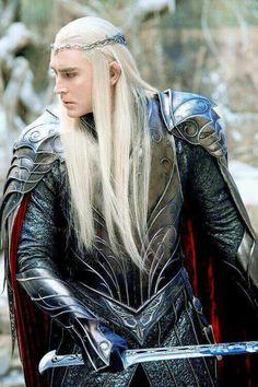 Lee Pace as Thranduil in The Hobbit movies The Hobbit Thranduil, Lee Pace Thranduil, O Hobbit, Tauriel, Aragorn, Gandalf, Elf King, Elfa, J. R. R. Tolkien