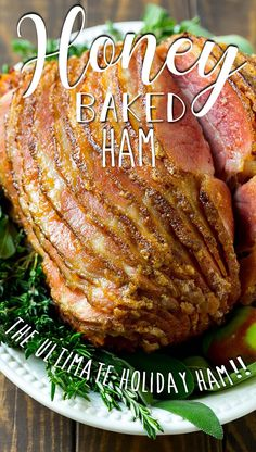 This honey baked ham recipe is a copycat of the super popular HoneyBaked Ham Store version. Ham Recipes, Dinner Recipes, Fudge, Honey Baked Ham Recipe, Holiday Ham, Copycat, Sausage, Easy Meals, Caramel