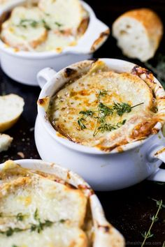 Classic French Onion Soup - Gina - Classic French Onion Soup Easy Homemade FRENCH ONION SOUP - filled with caramelized onions, deep beef flavor then topped with gooey cheese! This French Onion Soup is a classic for the fall and sure to please any crowd! Onion Soup Recipes, Easy Soup Recipes, Easy Healthy Recipes, Yummy Recipes, Recipies, Homemade French Onion Soup, Classic French Onion Soup, Best Instant Pot Recipe, Instant Recipes