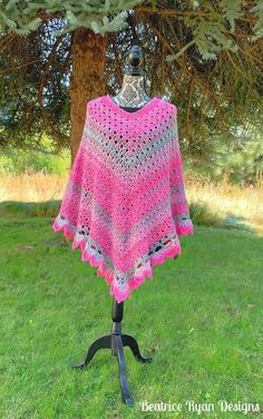 Amazing Grace Pretty in Pink Poncho...Free Crochet Pattern!!! - ............Beatrice Ryan Designs............ Easy Crochet Hat, All Free Crochet, Crochet Crafts, Double Crochet, Crochet Projects, Red Heart Patterns, Crochet Poncho Patterns, Red Heart Yarn, Amazing Grace